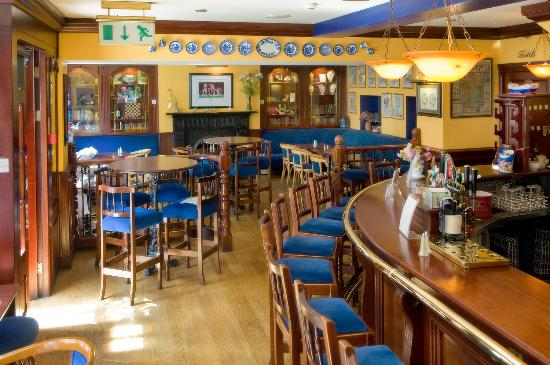 Aherne 39 s townhouse hotel youghal updated 2018 prices for Bar food youghal