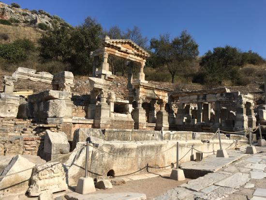 Eu entre as ruínas.... - Picture of Ancient City of ...
