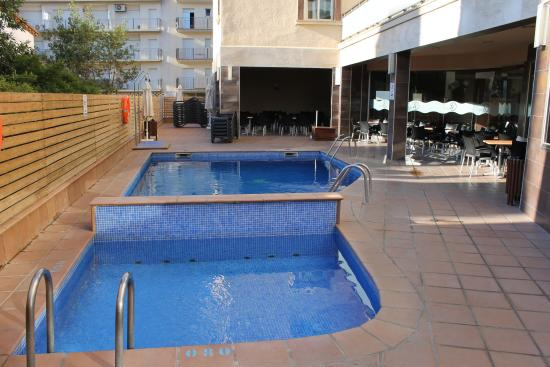 piscine photo de tossa center hotel tossa de mar tripadvisor. Black Bedroom Furniture Sets. Home Design Ideas