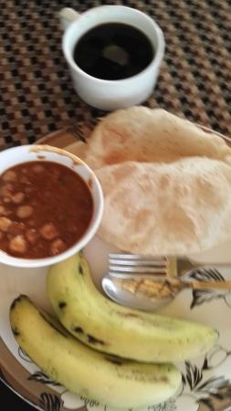 Hotel Arpit Palace: food on the roof top