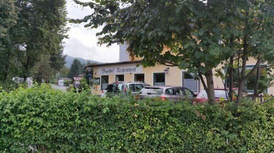 Landgasthof Rechenwirt : View of the hotel from the parking lot
