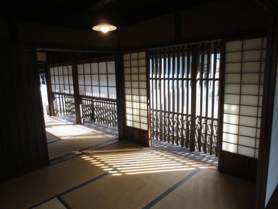 Matsusaka Merchant Museum: 窓からこぼれる光もいい感じ