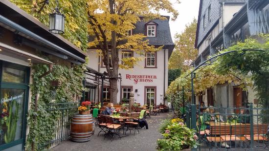 Walking Rudesheim Day Tours: Rudesheim