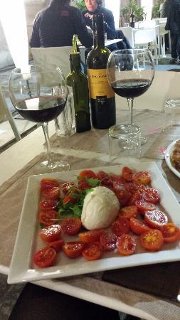 Beccofino : Salade Caprese Mozzarella Di Buffala