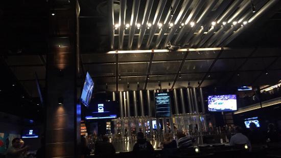 Elegant Yard House: The Bar