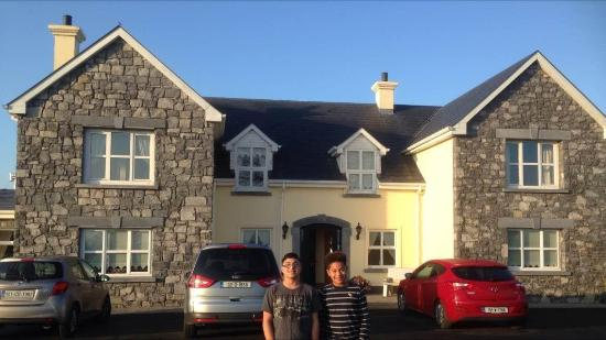 Bunratty Haven Bed and Breakfast: Nate and Dom
