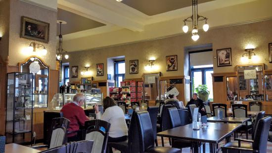 Esztergomi Központi Café