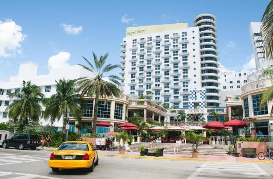 Royal Palm South Beach Miami A Tribute Portfolio Resort Вид на отель со стороны