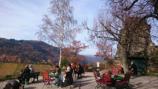 Burgschenke Grevenburg: Wunderschöne Aussicht und einfach nur gemütlich.