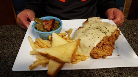 JD's Seafood Restaurant: Huge chicken fried steak