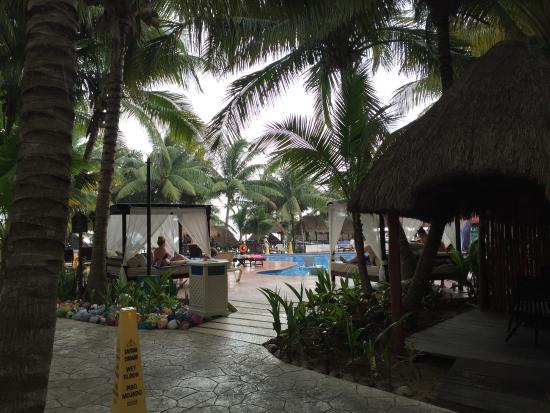 Sensimar Resort Riviera Maya: Pool area