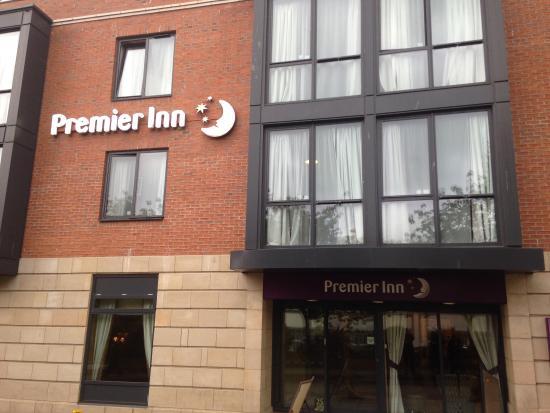 Premier Inn Scarborough South Bay Hotel: MAIN ENTRANCE