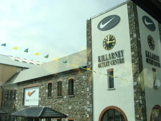 Of Outlet Picture Killarney Irlanda Centre Killarney wqROCdXX