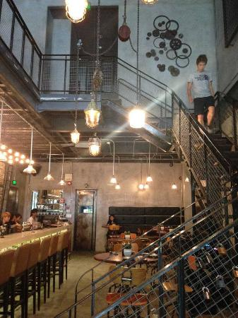 Urban Kitchen + Bar: Industry Style Decor