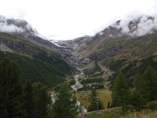 Alp Gruem, Швейцария: 氷河の雄大な眺め