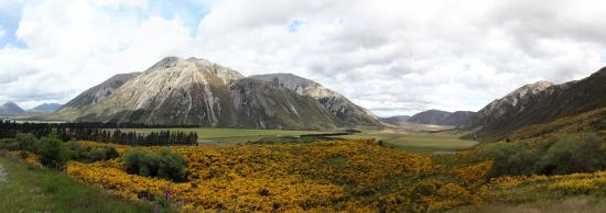 Cass, New Zealand: Panorama of the valley