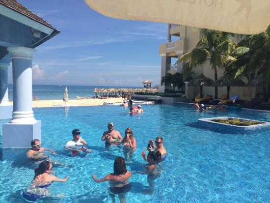 Swim Up Bar Bild Von Iberostar Grand Rose Hall Tripadvisor