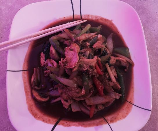 Thai Orchid: Super clean place and delicious fresh food - tons of variety!