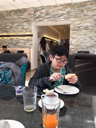 Central City Hotel: breakfast
