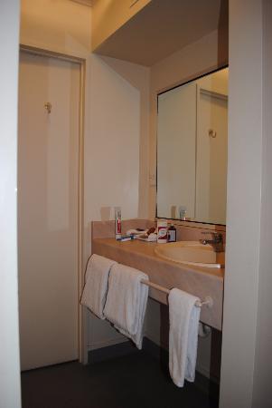 แอสคอทออนเฟ็นตันโฮเต็ล: toilet /shower area -  need to improve drain from shower