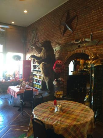 Mound City, MO: Dining area