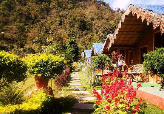 Him River Resort: Huts