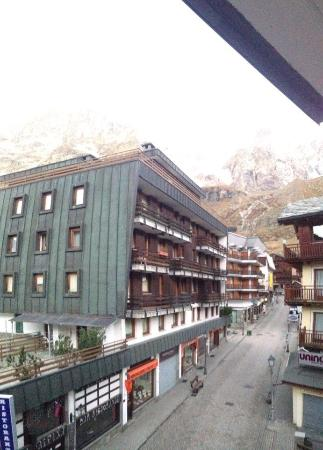 Meuble joli hotel breuil cervinia italien omd men och for Hotel meuble mon reve cervinia