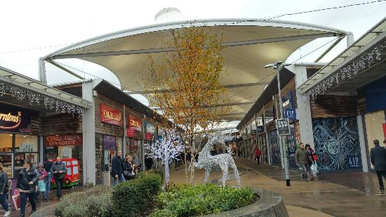 ‪Dalton Park Outlet‬