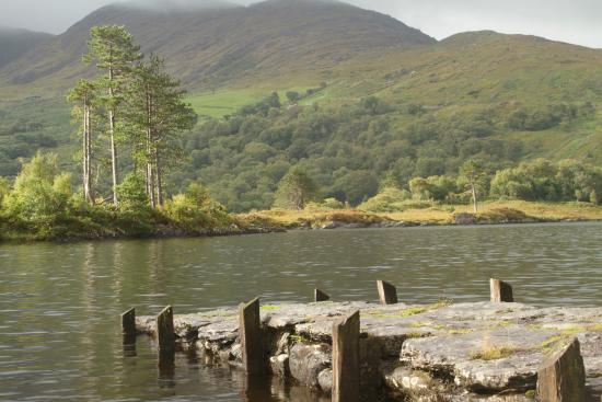 Tuosist, Irlanda: Stone pier on Loch Inchaquin