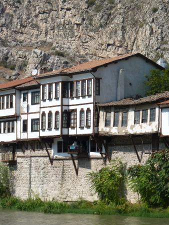 Emin Efendi Konaklari: View of hotel from across the river