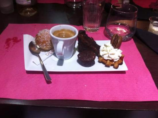 Le Nibbling: Cafe gourmand