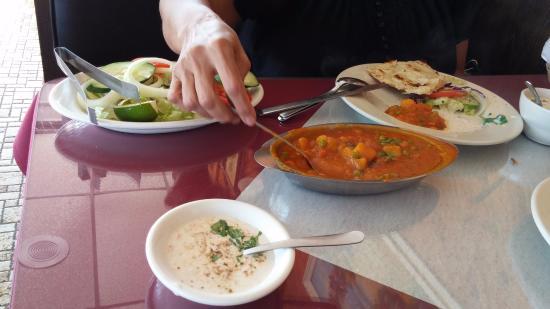 Everest Indian Cuisine: Aloo Mutter