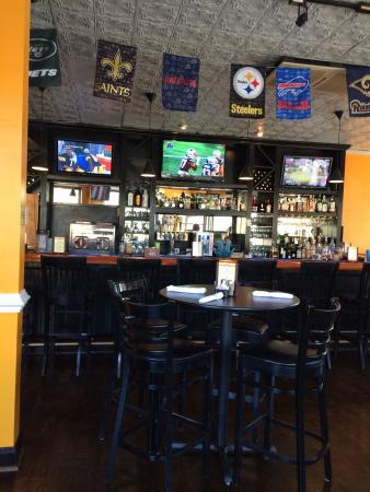 Great Falls, VA: Great place to watch Sunday games....