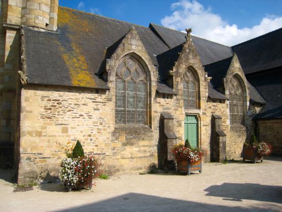Maison de la s n chauss e actuellement office de tourisme picture of vill - Maison de la bibliotheque ...