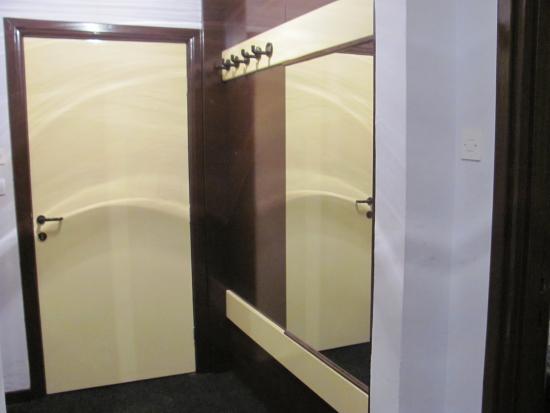 Inex Krajina Hotel : Ulaz u sobu