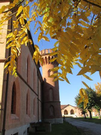 Bossolasco, Italia: pollenzo castello