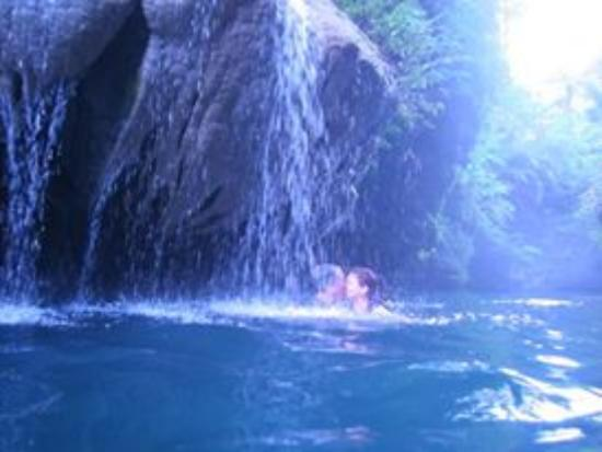 Mount Hope Waterfall: Float under cascading crystal clear spring water