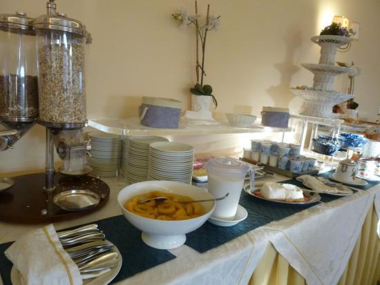 Hotel La Vue D'Or: Desayuno