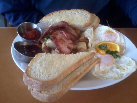 Stella's Cafe & Bakery: cafe breakfast