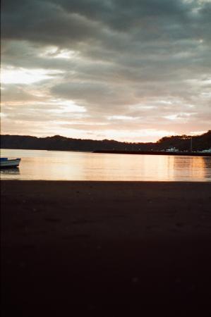 Allegro Papagayo: The beach at night