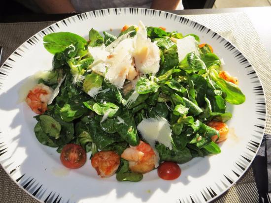 Salade de m che au poisson et gambas picture of pizzeria for Salade poisson