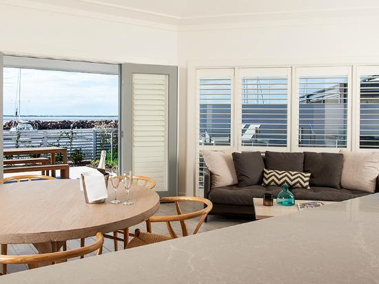 anchorage port stephens 160 1 8 3 updated 2018. Black Bedroom Furniture Sets. Home Design Ideas