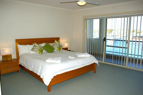 Port Lincoln Waterfront Apartments: Premium Island Drive