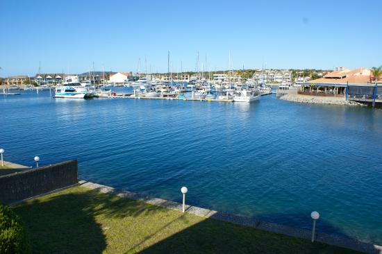 Port Lincoln Waterfront Apartments: View from Island Drive