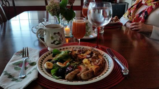 Jesse Harlow House: Breakfast
