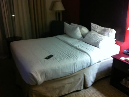 bed picture of holiday inn express albany downtown albany rh tripadvisor com