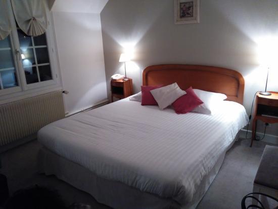 L'Hostellerie du Chateau: Dormitorio