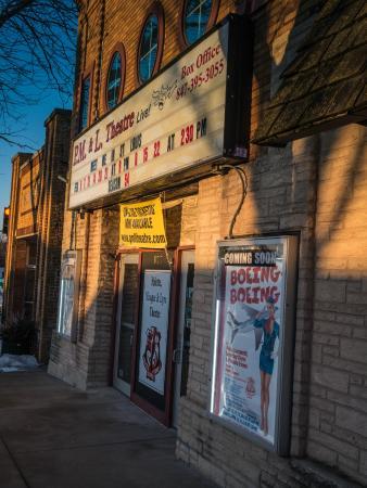 Antioch, IL: Front Facade