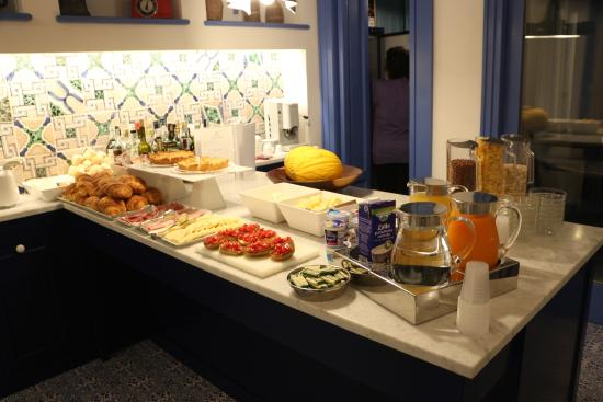 Breakfast picture of hotel mignon meuble sorrento for Hotel mignon meuble sorrento italy