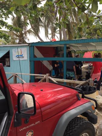 Zatoka Simpson, Sint Maarten: Ideal location right on the beach!!!